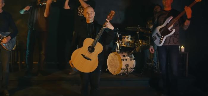 Celtas Cortos y la belleza en el videoclip «Tesoros perdidos»