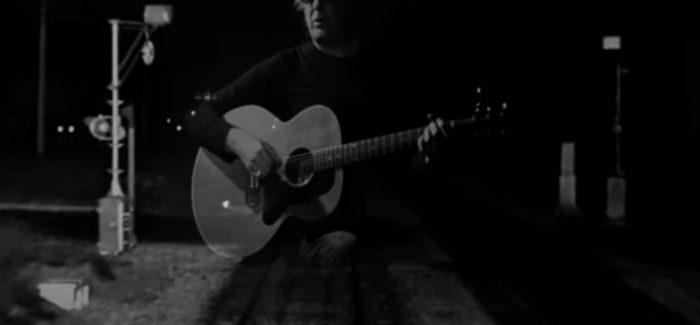 Javier Andreu estrena su nuevo single sin La Frontera